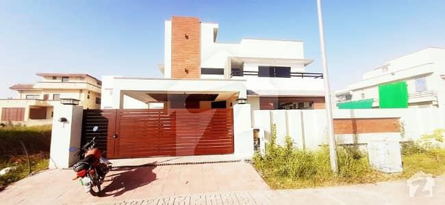 ڈی ایچ اے ڈیفینس فیز 2 ڈی ایچ اے ڈیفینس اسلام آباد میں 7 کمروں کا 1 کنال مکان 1.47 لاکھ میں کرایہ پر دستیاب ہے۔