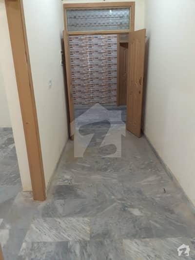 رائل ایونیو اسلام آباد میں 2 کمروں کا 5 مرلہ مکان 22 ہزار میں کرایہ پر دستیاب ہے۔