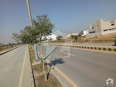 Estate Lines Offers 22 Marla Corner Plot 499 V Block Facing Park 19 Kanal 70x70 Road In Dha Phase 8