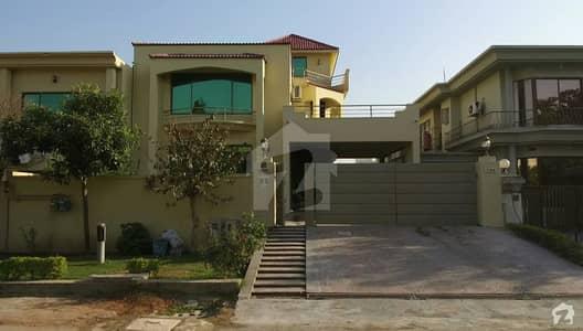 ایف ۔ 10 اسلام آباد میں 6 کمروں کا 1 کنال مکان 2 لاکھ میں کرایہ پر دستیاب ہے۔