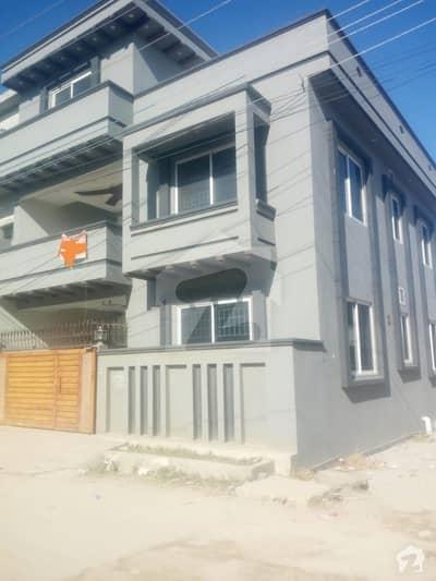 ایچ ۔ 13 اسلام آباد میں 8 کمروں کا 7 مرلہ مکان 1.65 کروڑ میں برائے فروخت۔