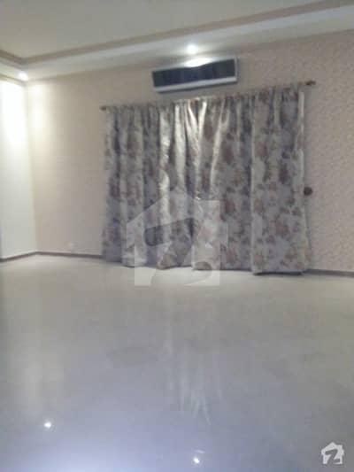 ڈی ایچ اے فیز 2 ڈیفنس (ڈی ایچ اے) لاہور میں 5 کمروں کا 4 کنال مکان 4.5 لاکھ میں کرایہ پر دستیاب ہے۔