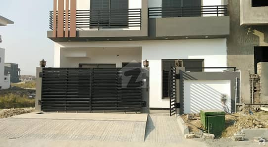 ڈی ۔ 12 اسلام آباد میں 3 کمروں کا 4 مرلہ مکان 1.95 کروڑ میں برائے فروخت۔