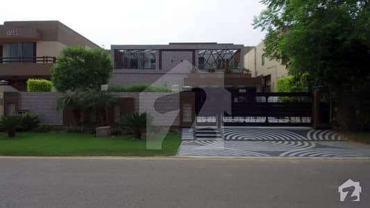 25 Marla Slightly Used Bungalow For Sale