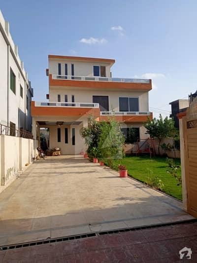 سوان گارڈن اسلام آباد میں 7 کمروں کا 1.1 کنال مکان 2.8 کروڑ میں برائے فروخت۔