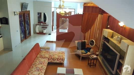 ڈی ایچ اے فیز 7 ڈی ایچ اے کراچی میں 6 کمروں کا 1 کنال مکان 9.25 کروڑ میں برائے فروخت۔