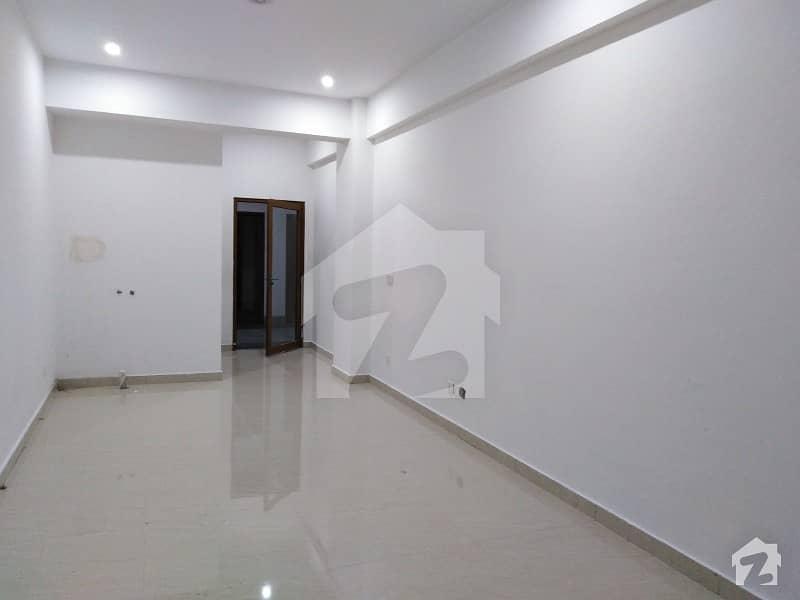 آئی ۔ 8 مرکز آئی ۔ 8 اسلام آباد میں 2 مرلہ دفتر 1.6 کروڑ میں برائے فروخت۔