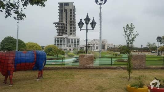 بحریہ ٹاؤن ایگزیکٹو لاج بحریہ ٹاؤن سیکٹر B بحریہ ٹاؤن لاہور میں 2 کنال رہائشی پلاٹ 3.45 کروڑ میں برائے فروخت۔