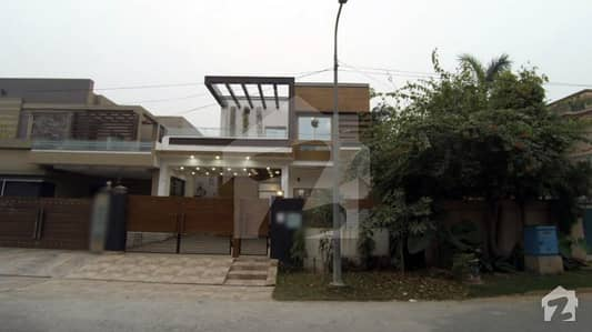 10 Marla Brand New Corner House For Sale In M Block Of Air Avenue Lahore