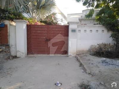 ماڈل ٹاؤن اے بہاولپور میں 7 کمروں کا 1.5 کنال مکان 6 کروڑ میں برائے فروخت۔