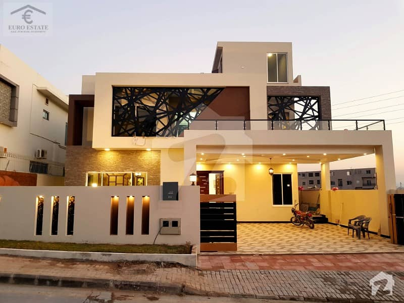 بحریہ ٹاؤن فیز 3 بحریہ ٹاؤن راولپنڈی راولپنڈی میں 5 کمروں کا 1 کنال مکان 4.75 کروڑ میں برائے فروخت۔