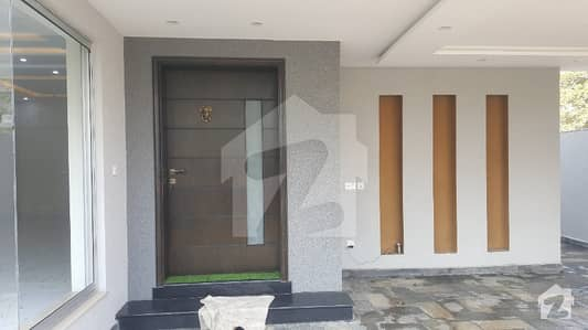 10 Marla Brand New House near to masjid and park