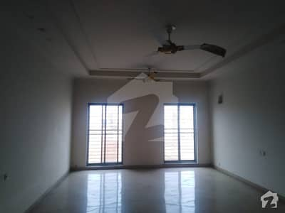 2 Kanal Upper Portion For Rent In Valencia Town Lahore Facing Park