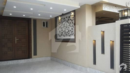 FIVE MARLA HOUSE AVAILABLE FOR RENT IN BAHRIA TOWN LAHORE