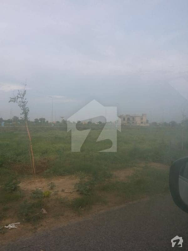 Facing Park Investment Opportunity Facing Park Plot For Sale On 70 Feet Road