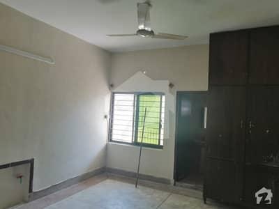 جی ۔ 6/1 جی ۔ 6 اسلام آباد میں 5 کمروں کا 7 مرلہ مکان 1 لاکھ میں کرایہ پر دستیاب ہے۔