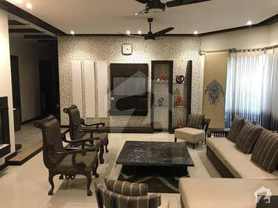 ڈی ایچ اے فیز 5 - بلاک ڈی فیز 5 ڈیفنس (ڈی ایچ اے) لاہور میں 5 کمروں کا 1 کنال مکان 1.8 لاکھ میں کرایہ پر دستیاب ہے۔