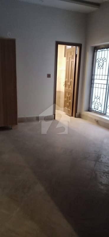 گارڈن ٹاؤن لاہور میں 2 کمروں کا 10 مرلہ مکان 50 ہزار میں کرایہ پر دستیاب ہے۔