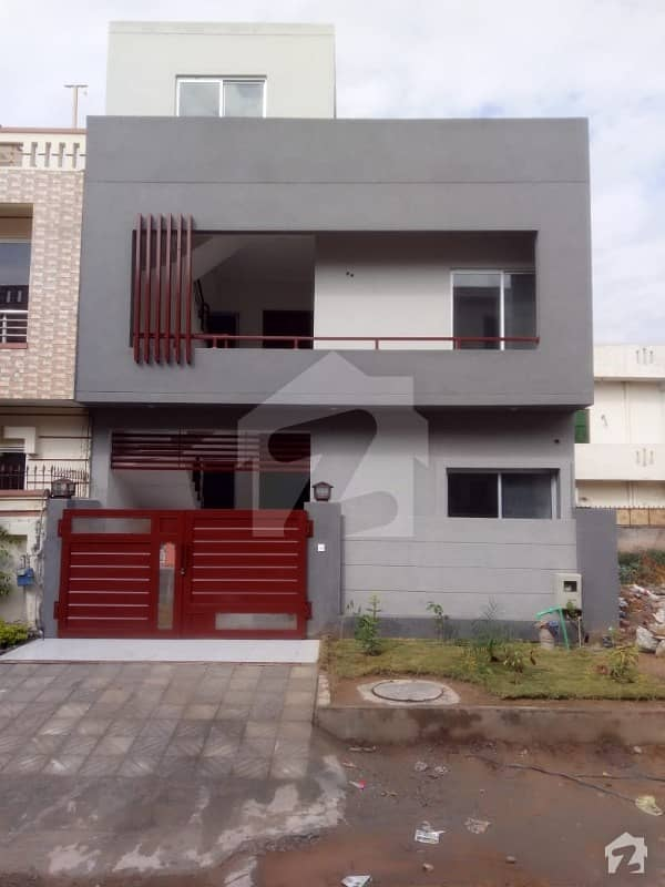 25x40 Brand New House Is Up For Sale