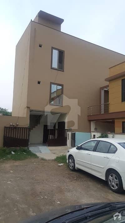 پیراگون سٹی ۔ ماؤنڈز بلاک پیراگون سٹی لاہور میں 2 کمروں کا 5 مرلہ فلیٹ 55 لاکھ میں برائے فروخت۔