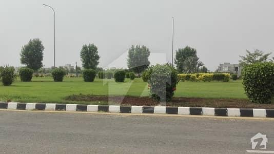 جوبلی ٹاؤن ۔ بلاک ایف جوبلی ٹاؤن لاہور میں 5 مرلہ رہائشی پلاٹ 50 لاکھ میں برائے فروخت۔