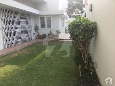 نارتھ ناظم آباد ۔ بلاک این نارتھ ناظم آباد کراچی میں 4 کمروں کا 16 مرلہ زیریں پورشن 85 ہزار میں کرایہ پر دستیاب ہے۔