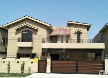 عسکری 10 - سیکٹر ایف عسکری 10 عسکری لاہور میں 9 کمروں کا 17 مرلہ مکان 1.2 لاکھ میں کرایہ پر دستیاب ہے۔