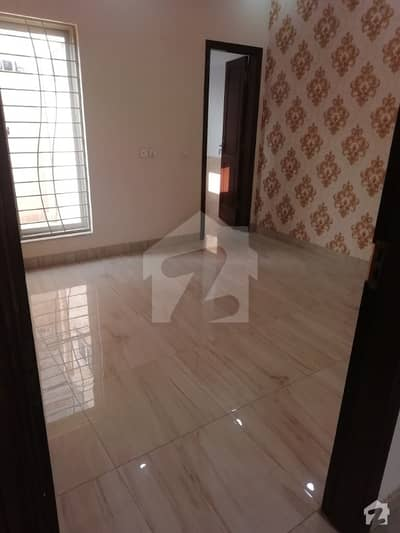 10 Marla House For Rent In Available And Gas And Electricity And Park And Lgs School Other Facilities