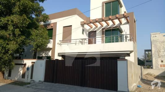 10 Marla Used House For Sale In  Sector  Of Bahria Town Lahore