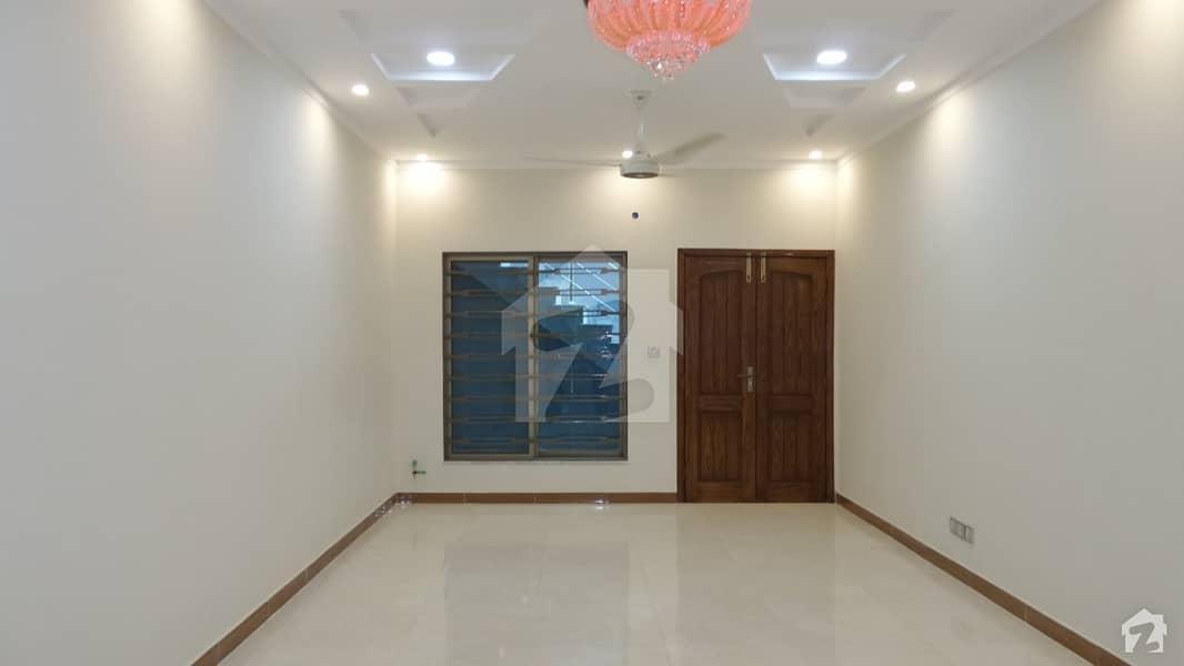 نیشنل پولیس فاؤنڈیشن اسلام آباد میں 5 مرلہ مکان 90 لاکھ میں برائے فروخت۔