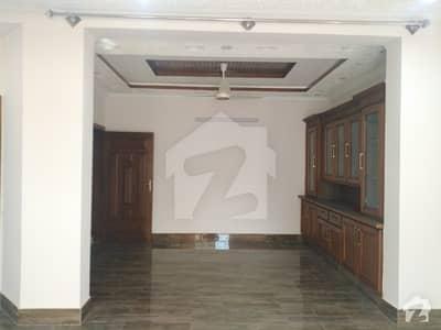 آئی ۔ 8/2 آئی ۔ 8 اسلام آباد میں 6 کمروں کا 12 مرلہ مکان 2.1 لاکھ میں کرایہ پر دستیاب ہے۔