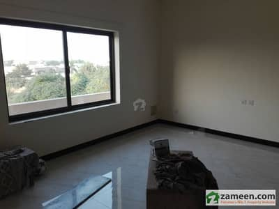 4 Bad Apartment For Sale Near To Murree Chater Park