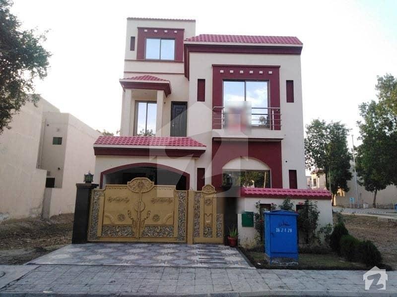 بحریہ نشیمن ۔ آئرس بحریہ نشیمن لاہور میں 3 کمروں کا 5 مرلہ مکان 85 لاکھ میں برائے فروخت۔