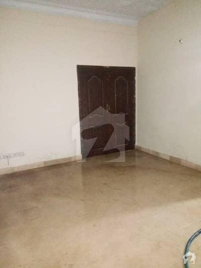 نارتھ ناظم آباد ۔ بلاک ایل نارتھ ناظم آباد کراچی میں 9 کمروں کا 16 مرلہ مکان 1.8 لاکھ میں کرایہ پر دستیاب ہے۔