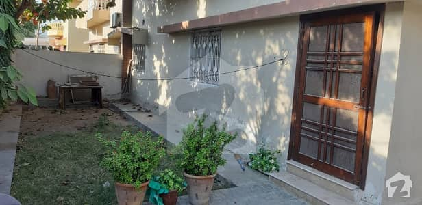 300 Sq Yrd Banglow Available On Rent In Phase 4