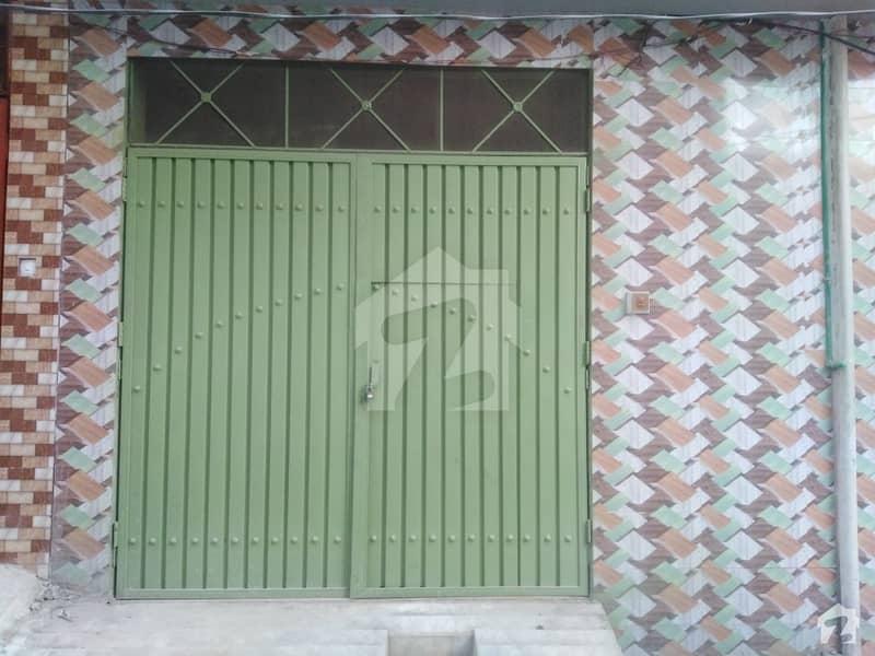 اعجاز آباد پشاور میں 2 کمروں کا 2 مرلہ مکان 10 ہزار میں کرایہ پر دستیاب ہے۔