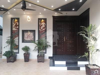 ڈی سی کالونی ۔ انڈس بلاک ڈی سی کالونی گوجرانوالہ میں 6 کمروں کا 10 مرلہ مکان 2.2 کروڑ میں برائے فروخت۔