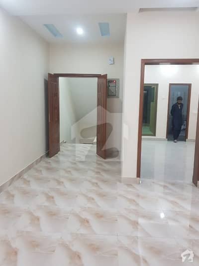 آفیسر کالونی لاہور میں 5 مرلہ مکان 1.38 کروڑ میں برائے فروخت۔