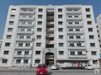 ڈی ایچ اے فیز 7 - بلاک کیو فیز 7 ڈیفنس (ڈی ایچ اے) لاہور میں 4 کمروں کا 12 مرلہ فلیٹ 1.45 کروڑ میں برائے فروخت۔