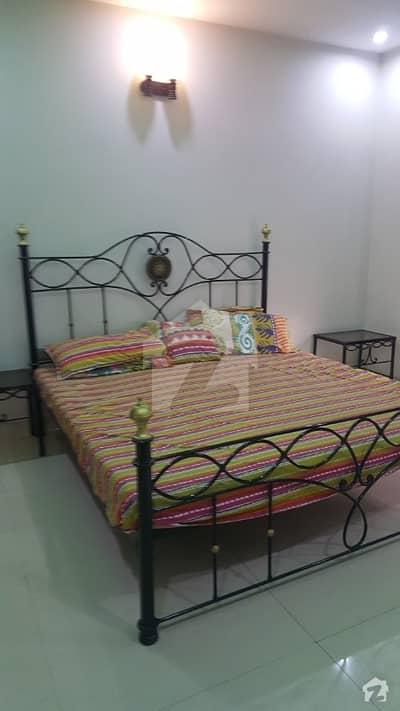 بحریہ ٹاؤن لاہور میں 1 کمرے کا 12 مرلہ کمرہ 15 ہزار میں کرایہ پر دستیاب ہے۔