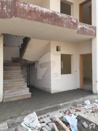 Corner Ground Floor 5 Marla Beautifully Build Flat Available For Sale