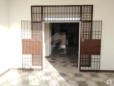 گلشن-اے-بینظیرٹاوَن شپ سکیم پورٹ قاسم بِن قاسم ٹاؤن کراچی میں 7 کمروں کا 12 مرلہ مکان 90 ہزار میں کرایہ پر دستیاب ہے۔