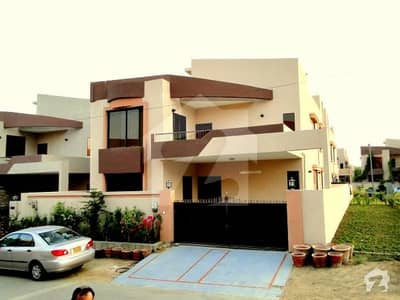 350 Sq Yard 5 Bed Room With Servant Quarter
