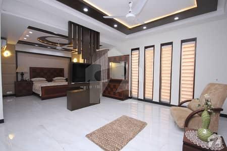 ڈی ایچ اے فیز 5 ڈیفنس (ڈی ایچ اے) لاہور میں 5 کمروں کا 1 کنال مکان 3 لاکھ میں کرایہ پر دستیاب ہے۔