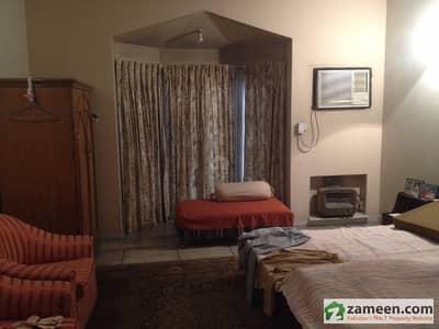 27 Marla Duplex House In Main Cantt