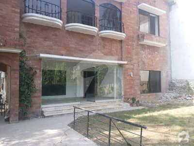 اَپر مال لاہور میں 5 کمروں کا 1 کنال مکان 2.9 لاکھ میں کرایہ پر دستیاب ہے۔