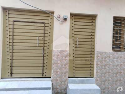 ڈلا زیک روڈ پشاور میں 4 کمروں کا 5 مرلہ مکان 22 ہزار میں کرایہ پر دستیاب ہے۔