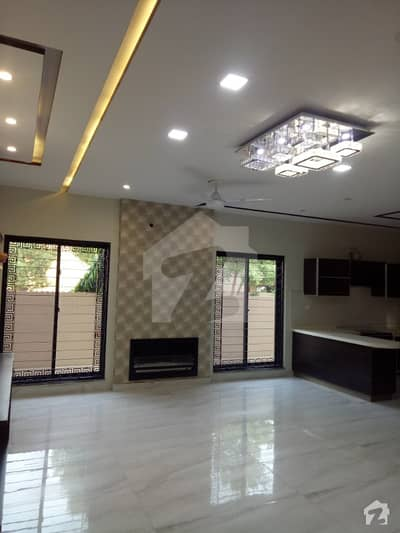 15 Marla Corner  House  For Sale In Jasmine Block Bahria Town Lahore