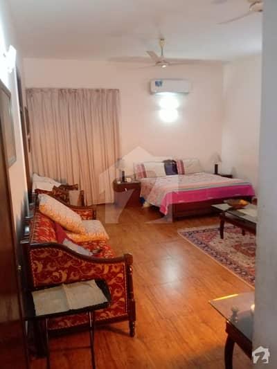 ماڈل ٹاؤن ۔ بلاک ڈی ماڈل ٹاؤن لاہور میں 6 کمروں کا 2 کنال مکان 14 کروڑ میں برائے فروخت۔