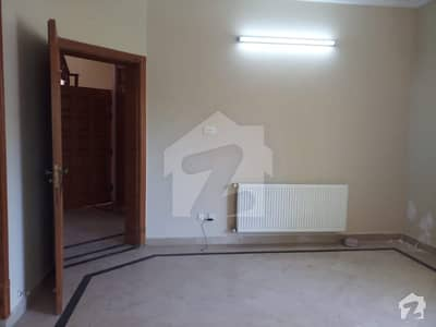 Good Location Coner Old House Available For Sale